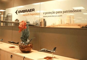 portfolio paineis Embraer